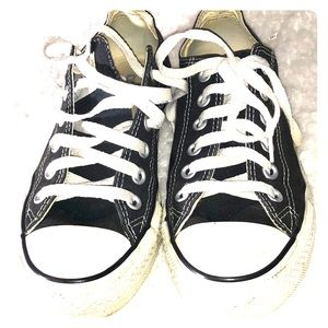 CONVERSE ALL STAR SNEAKERS SIZE 6